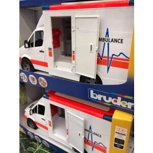 BRUDER Greitosios pagalbos automobilis su vairuotoju komplekte gelbėtojų automobilis, 02536