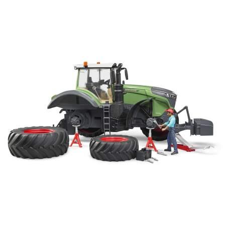 BRUDER FENDT 1050 VARIO su mechanine ir dirbtuvių įranga, 04041