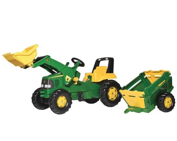 John Deere traktorius su priekaba ir krautuvu minamas