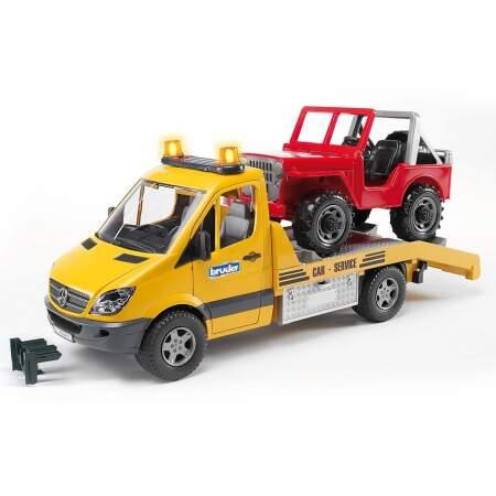 BRUDER žaislinė mini tralo mašina Mercedes Bendz su garsiniais signalais ir džipu, 02535